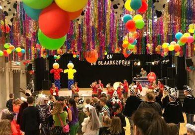 Carnaval met Blaaskapel Hekwerk